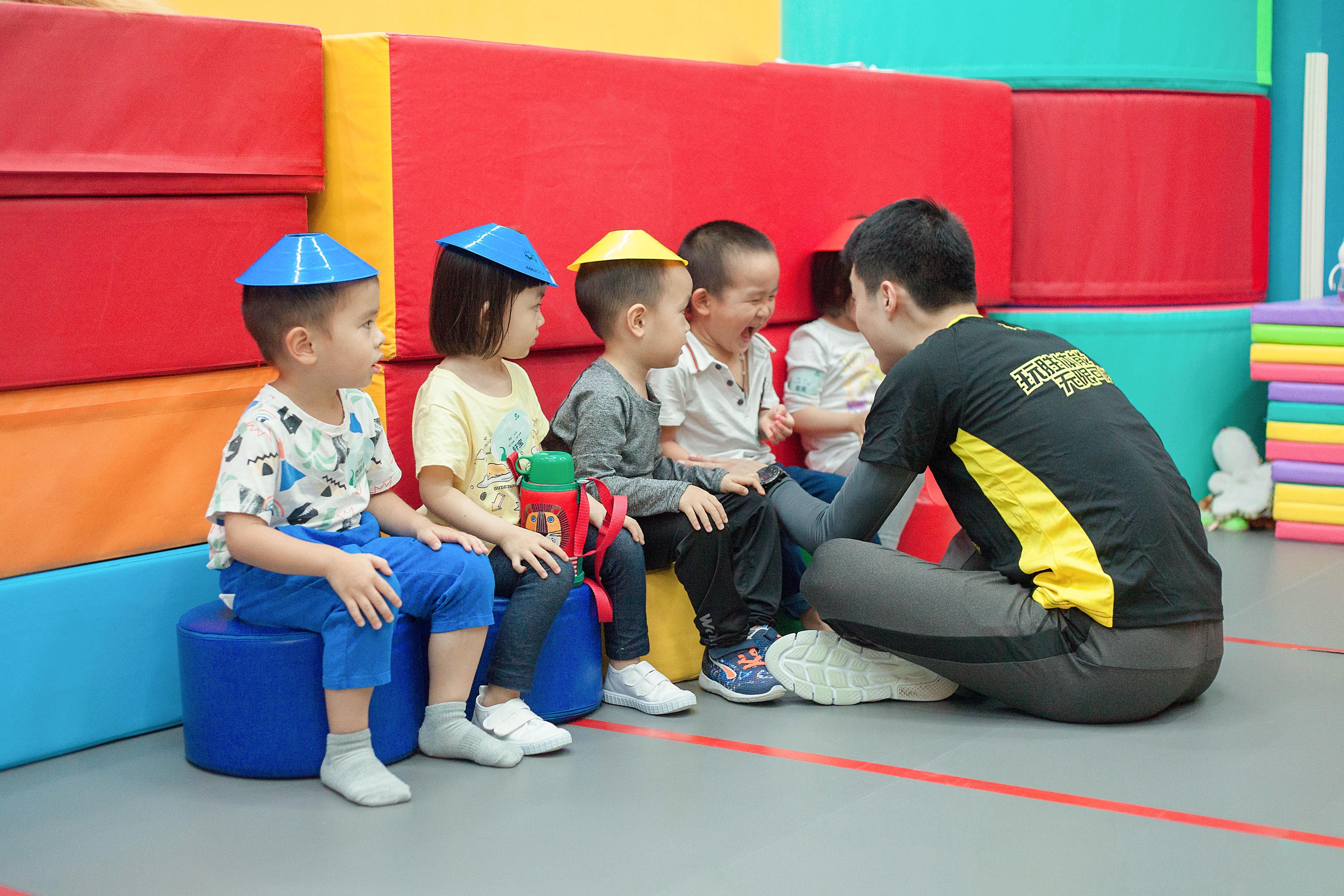 教育根植于爱|懂运动,更懂教育,这就是玩胜教练